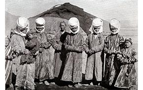 kirghiz-women-thumbainpsc-102